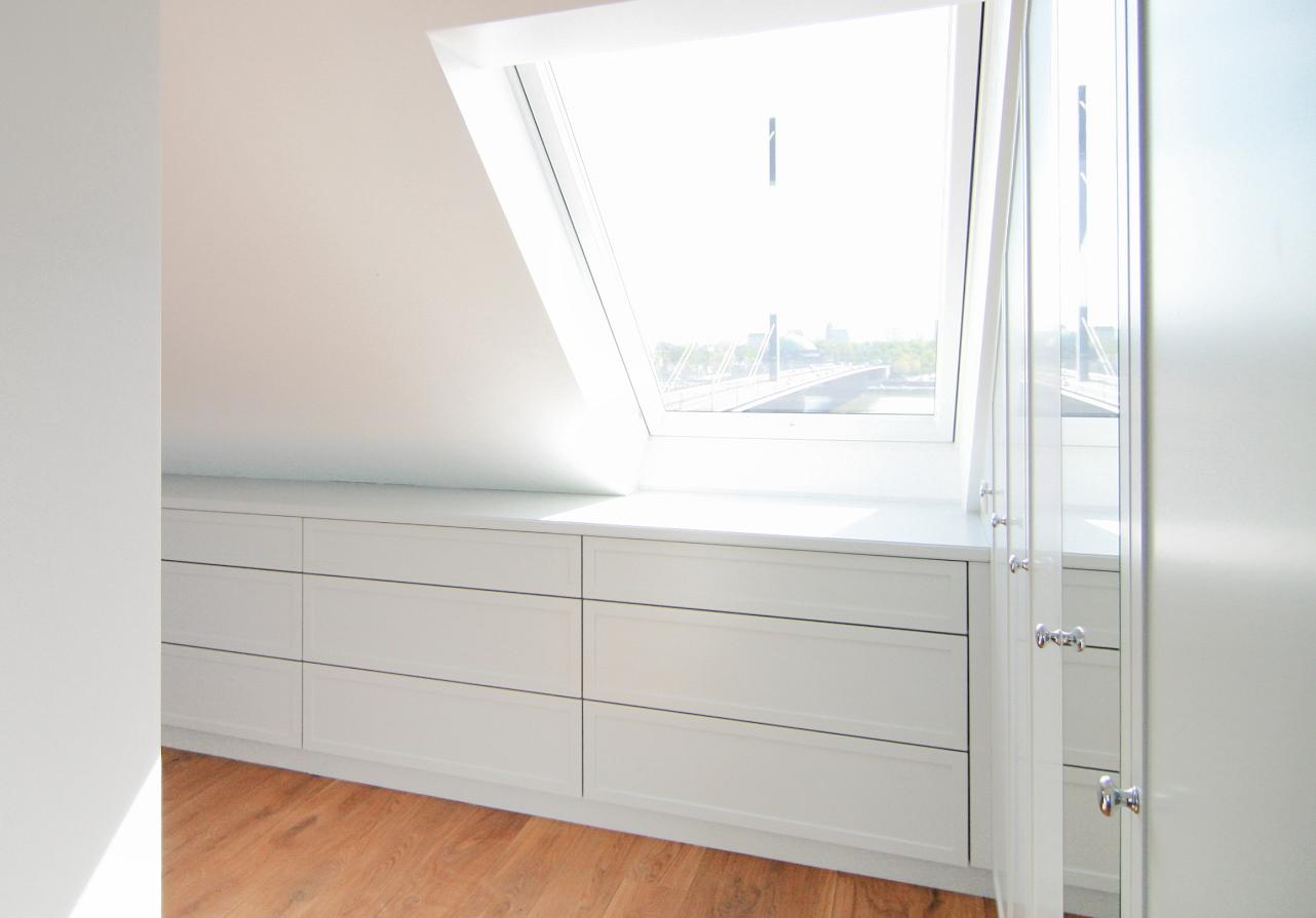 ideen schlafzimmer unterm dach ~ ideen für die innenarchitektur, Schlafzimmer entwurf
