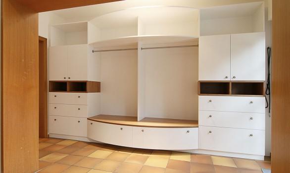 Garderobe für Gäste und Familie